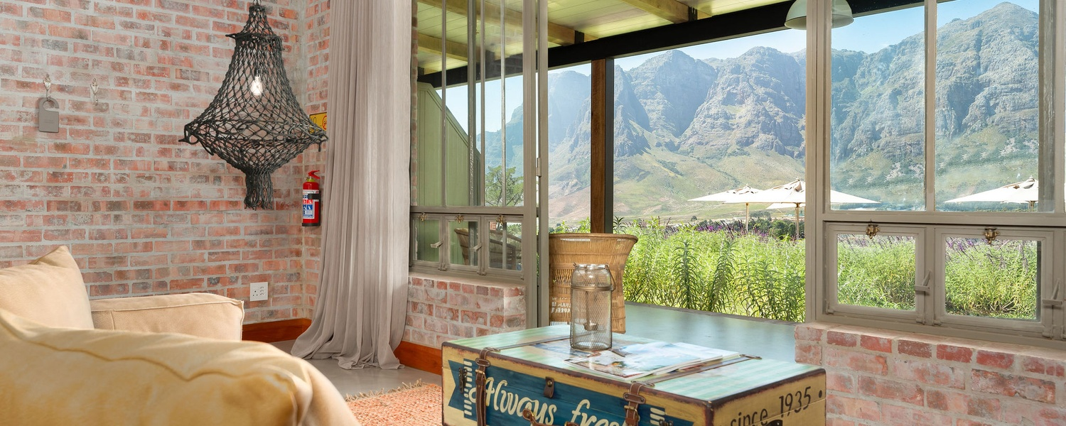 Luxury room with mountain view Stellenbosch Guest Lodge