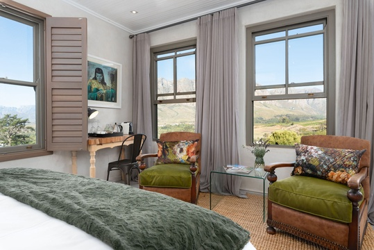 Luxury room with mountain view Stellenbosch Banhoek Valley